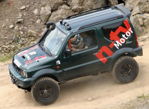 n tv motor gibt im suzuki jimny bei 14 abenteuer rallye. Black Bedroom Furniture Sets. Home Design Ideas