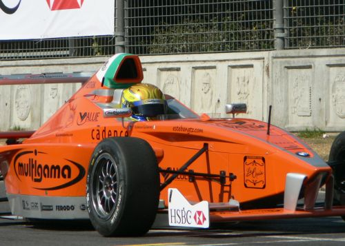 Esteban Gutierrez is Very Close to Clinching Pole Position for the Formula BMW World Final 2008