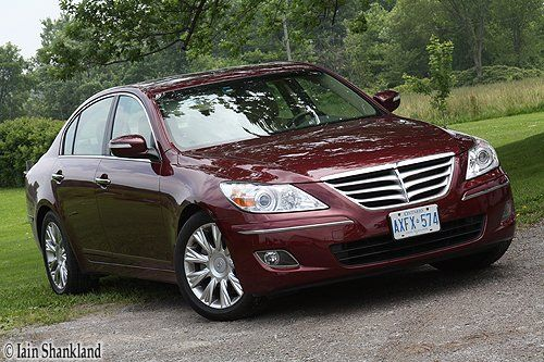Hyundai Genesis 3.8L w/Premium Package road test