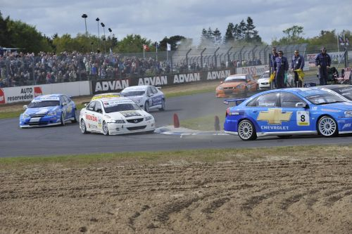 Two top 2 positions for James Thompson and Hartmann Honda Racing in the first DTC races