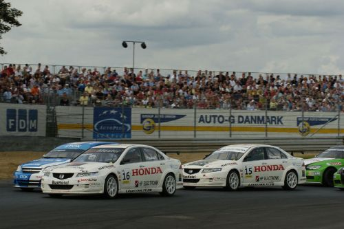 Heavy weekend for Hartmann Honda Racing