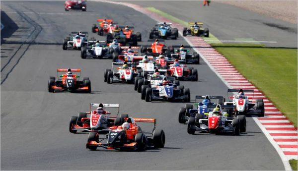 World Series by Renault event forceful return at Silverstone