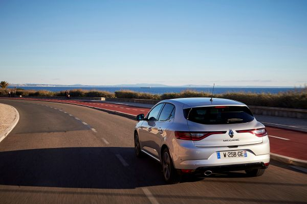 Five-star Euro NCAP ratings for the Renault Talisman and the new Renault Mégane