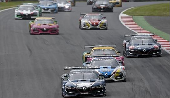 Renault Sport Trophy: it's getting tighter at the top!