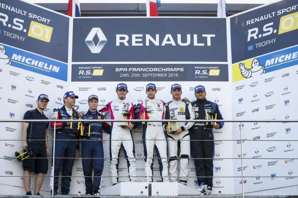 Owens and Blomstedt victorious at Renault Sport Trophy race in Spa-Francorchamps