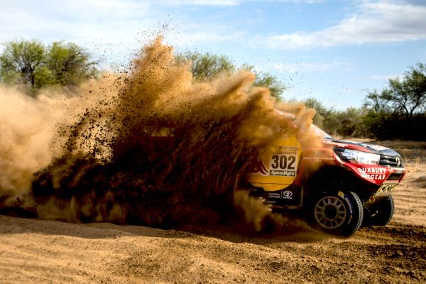 Dakar battle lines drawn