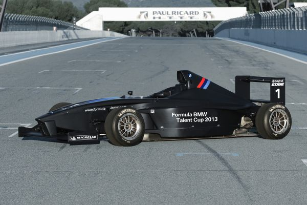New-look BMW FB 02 ready for the 2013 season.