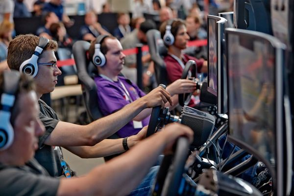 Gaming exhibition SimRacing Expo launches two e-sport competitions for the first time