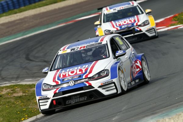 Nine VW Golf GTI on the grid for the new TCR Germany season