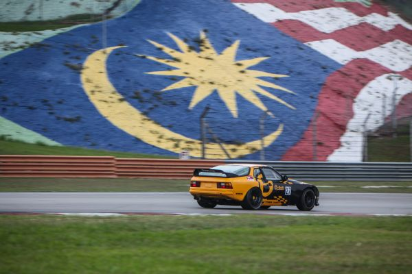 Classic clean sweep at Sepang for B-Quick Racing