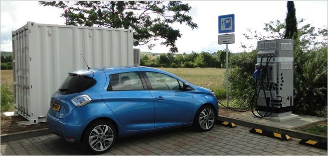 Groupe Renault -Electric vehicle charging on highways with second-life-batteries