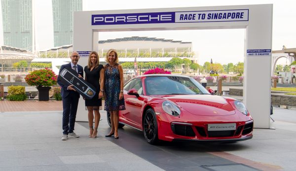 "Simona Halep tops ""Porsche Race to Singapore"""