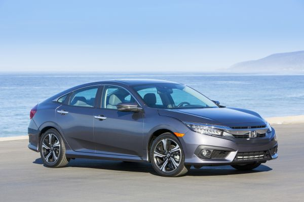 2018 Honda Civic and CR-V Overall Winners in AutoWeb's Buyer's Choice Awards