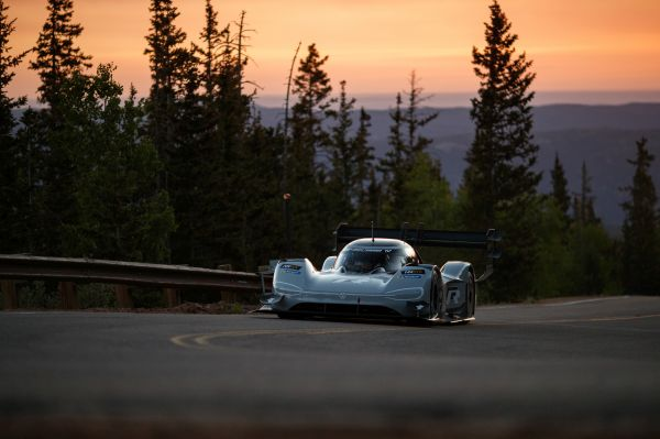 Volkswagen I.D. R Pikes Peak sets fastest time in qualifying