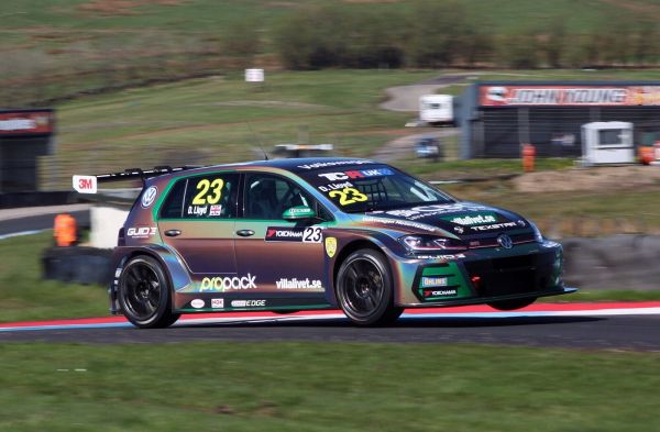 Lloyd secures funds to defend TCR Championship lead at Brands Hatch