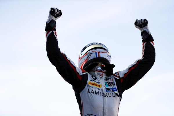 Hubert shines in sunny Silverstone GP3 Series Race 1