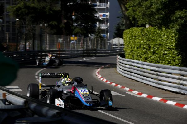 FIA F3 Pole position for rookies Fenestraz and Ahmed in Pau