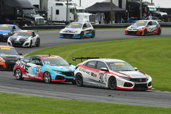 Pirelli World Challenge @ Lime Rock - A three-way fight for the title