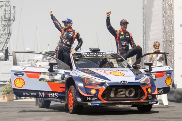 Third smallest winning margin in 45 years as Neuville pips Ogier in Italy
