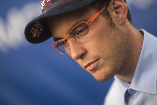 Thierry Neuville closes in on victory in Portugal