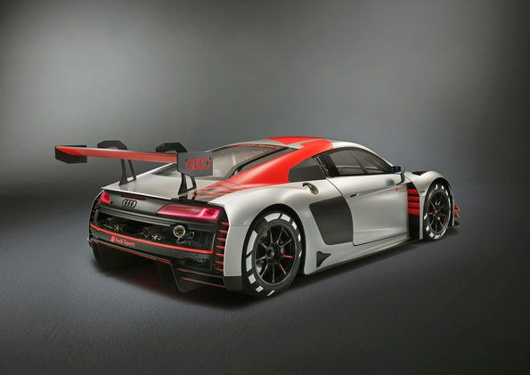 World premiere in Paris: new evolution of Audi R8 LMS for customer racing