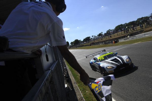 Optimum's unstoppable Aston Martin claims victory at Brands while Balfe McLaren wins GT4
