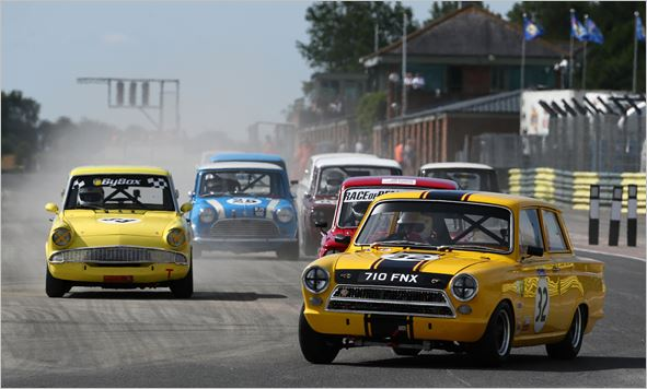 Thousands lap up vintage fun in the sun at Croft Nostalgia Festival