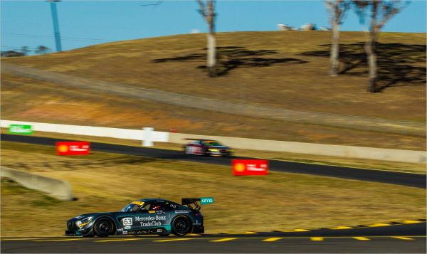Hackett & Talbot take spectacular Australian GT wins in Sydney