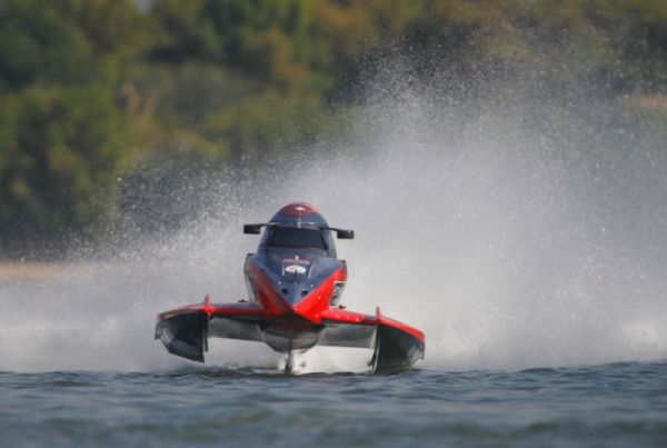 Team Abu Dhabi's Erik Stark on pole for F1H2O Grand Prix of Sharjah