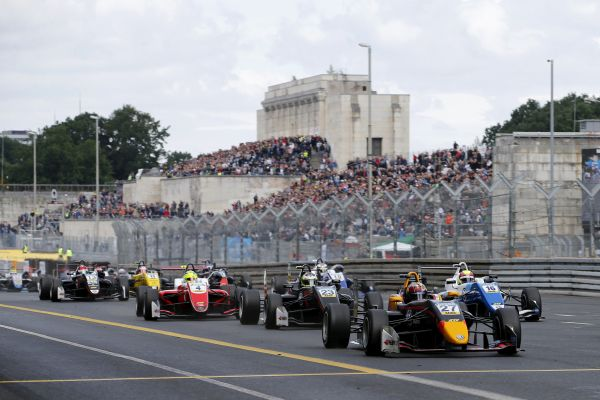 FORMULA EUROPEAN MASTERS  - The stepping stone for motor-racing talents on the way to Formula 1