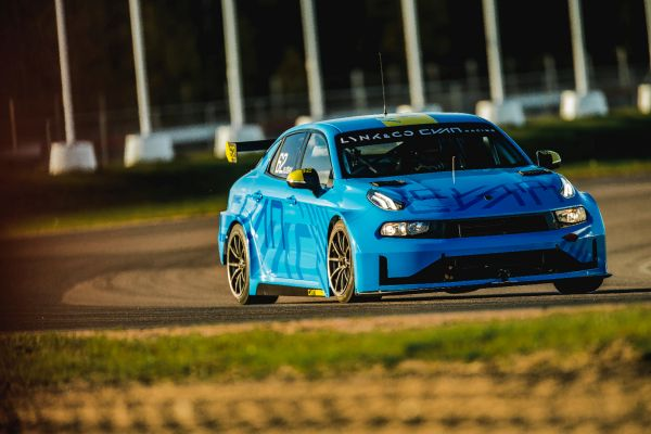 The new Lynk & Co 03 TCR completes its first tests