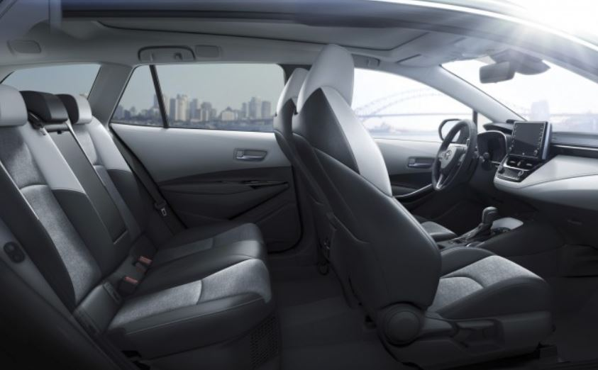 Toyota Corolla: Spacious and refined interior