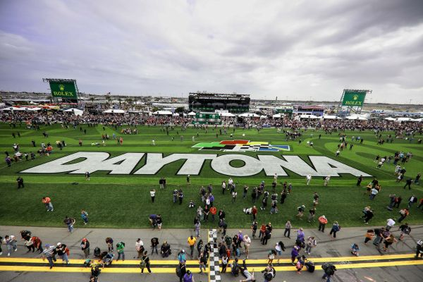 82nd Airborne Division's 'All-American' Chorus to Perform National Anthem for 61st annual DAYTONA 500
