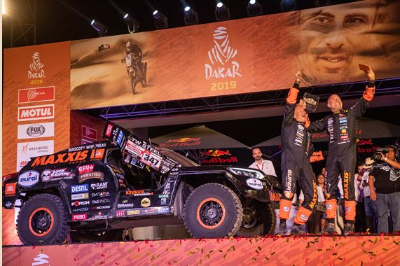 Tim and Tom Coronel make it to the finish of the 2019 Dakar Rally