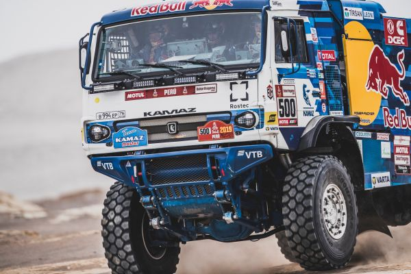 Dakar win 4 for Eduard Nikolaev
