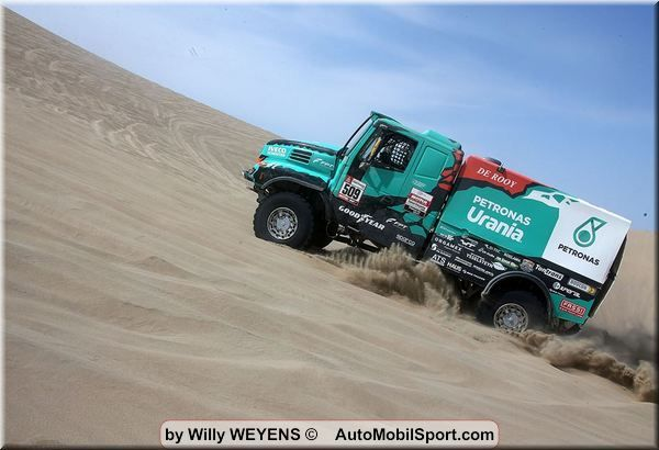 Dakar SS10 Van Genuten actual on top