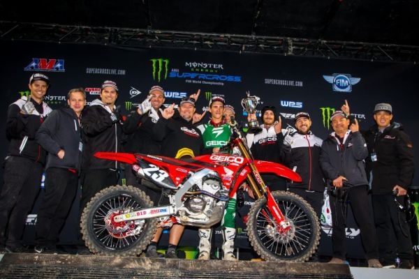 Roczen Sixth at New Jersey Supercross, Seely Ninth