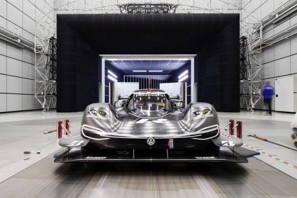 Volkswagen ID. R uses Formula 1 technology for optimal aerodynamics