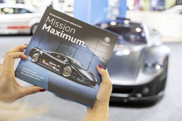 "Volkswagen Classic presents the new ""Mission Maximum"" booklet at Techno Classica 2019."