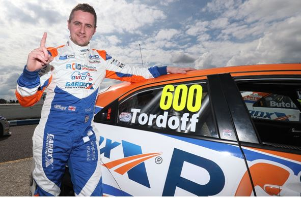 Sam Tordoff snatches late BTCC pole position at Thruxton