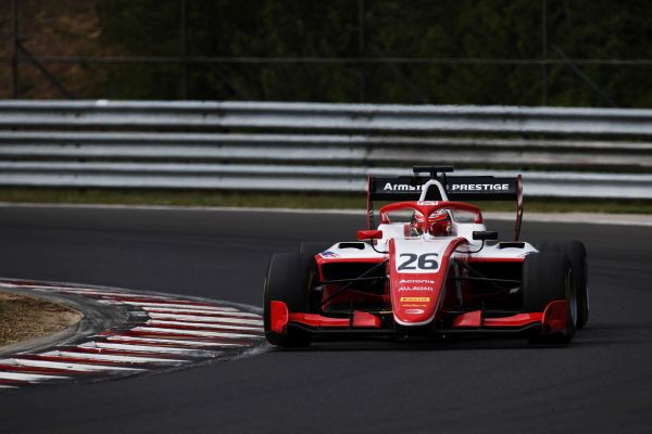 Armstrong sets the pace in FIA F3 Budapest test day 1