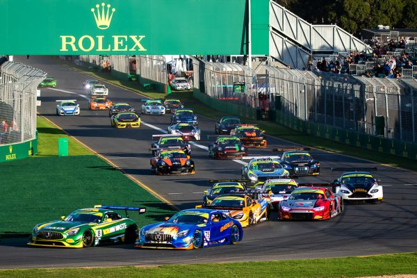 Twigg and Ross on top early at the Australian Grand Prix CAMS Australian GT Championship