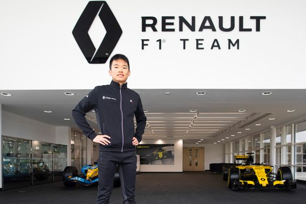 Rising Chinese Motorsport star Ye Yifei joins Renault Sport Academy