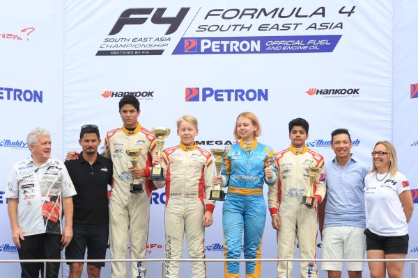 Allen and Seppanen dominate F4 SEA Saturday to win their races!