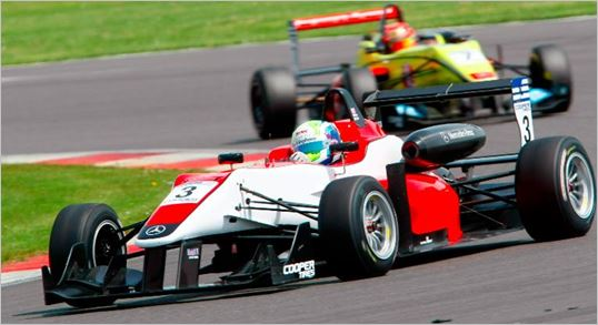 Buller closing in on British F3 title as Carlin ups the ante