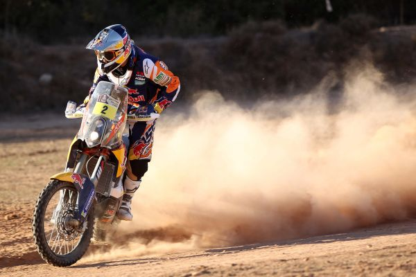 KTM's Marc Coma goes into final stage as Dakar leader