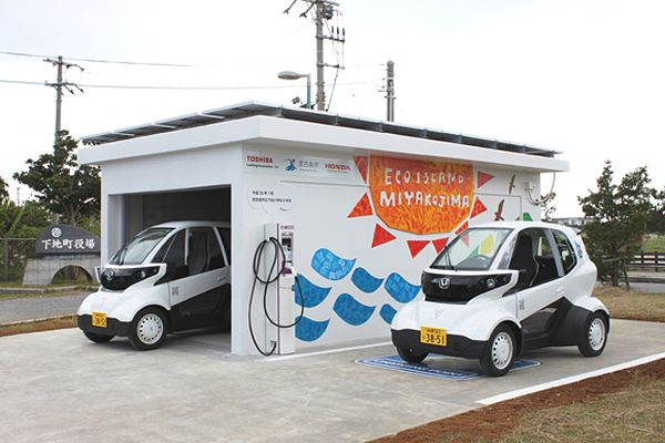 Honda Begins Experimental Test-driving of MC-β Micro-sized EV Using Renewable Energy