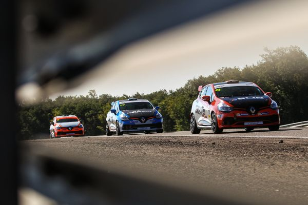 Another Grand Prix round for the Clio Cup !