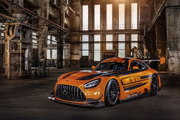 The new Mercedes-AMG GT3: Natural Born Leader.
