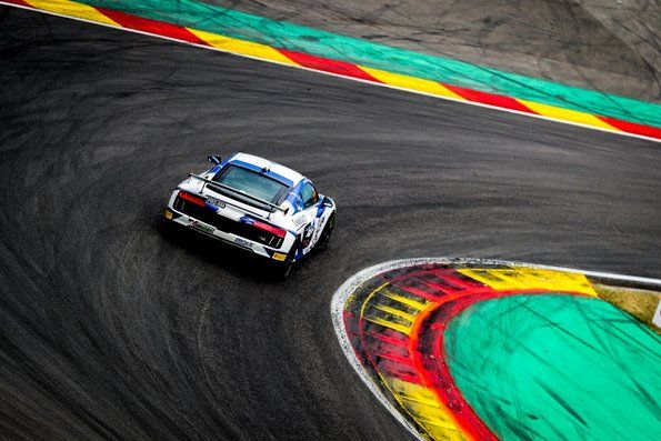 Sensational victory of the Audi R8 LMS in GT4 France